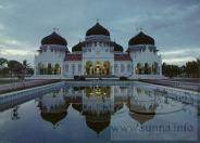 Banda_Acehs_Grand_Masjid_Indonesiaمسجد في اندونيسيا